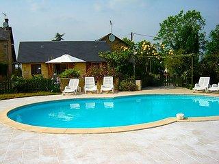 8 bedroom Villa in Saint Maixent l Ecole, Poitou-Charentes, France : ref 2162635 - Nazelles vacation rentals