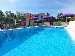 5 bedroom Villa in Rogoznica Razanj, Central Dalmatia, Croatia : ref 2214047 - Razanj vacation rentals