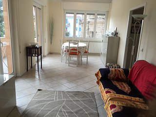 Magnifique appartement centre Arma 150m de la mer - Arma di Taggia vacation rentals