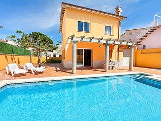 4 bedroom Villa in L Escala, Costa Brava, Spain : ref 2218048 - L'Escala vacation rentals