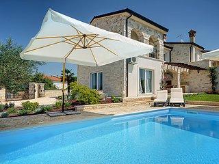 3 bedroom Villa in Rovinj Rovinjsko Selo, Istria, Croatia : ref 2218519 - Rovinjsko Selo vacation rentals