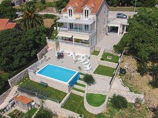 7 bedroom Villa in Dubrovnik-Brsecine, Dubrovnik Riviera, Croatia : ref 2219813 - Trsteno vacation rentals