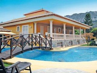 7 bedroom Villa in Denia, Costa Blanca, Spain : ref 2223034 - Denia vacation rentals