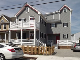 Great Breeze On Porch And Handicap Friendly 97349 - Cape May vacation rentals