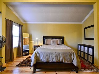 Old Town Contemporary - Gorgeous One bedroom in Old Town - Eureka vacation rentals