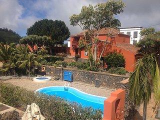 5 bedroom Villa in Tacoronte, Tenerife, Canary Islands : ref 2242097 - Guamasa vacation rentals