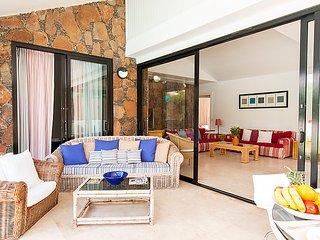 3 bedroom Villa in Maspalomas, Gran Canaria, Canary Islands : ref 2242119 - Maspalomas vacation rentals