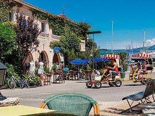 3 bedroom Apartment in Six Fours, Cote d'Azur, France : ref 2242763 - Ile des Embiez vacation rentals