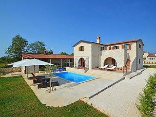 4 bedroom Villa in Pula Vodnjan, Istria, Croatia : ref 2242880 - Cabrunici vacation rentals