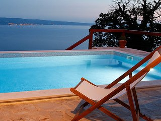 2 bedroom Villa in Omis, Central Dalmatia, Croatia : ref 2242967 - Krilo Jesenice vacation rentals