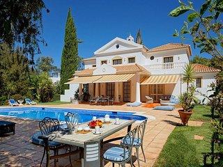 5 bedroom Villa in Alvor, Algarve, Portugal : ref 2249180 - Figueira vacation rentals