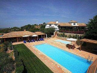 4 bedroom Villa in Boliqueime, Algarve, Portugal : ref 2249183 - Cerca Velha vacation rentals