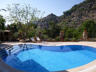 4 bedroom Villa in Marmaris, Agean Coast, Turkey : ref 2249319 - Orhaniye vacation rentals