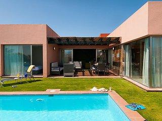 2 bedroom Villa in Maspalomas, Gran Canaria, Canary Islands : ref 2252995 - Patalavaca vacation rentals