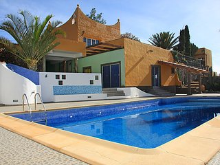 4 bedroom Villa in Ingenio, Gran Canaria, Canary Islands : ref 2253001 - Aguimes vacation rentals