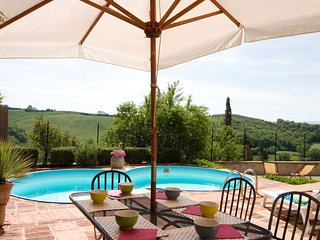 3 bedroom Villa in San Giovanni d'Asso, Siena, Italy : ref 2259027 - San Giovanni d'Asso vacation rentals
