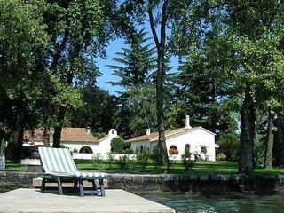 3 bedroom Villa in Lesa, Lake Maggiore, Italy : ref 2259089 - Stresa vacation rentals