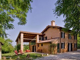 4 bedroom Villa in Rovolon, Padua, Italy : ref 2259115 - Rovolon vacation rentals