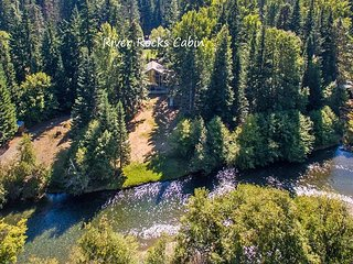 Yakima River Retreat! Slps10 | WiFi | 3BR+Loft | Hot Tub | Specials! - Easton vacation rentals