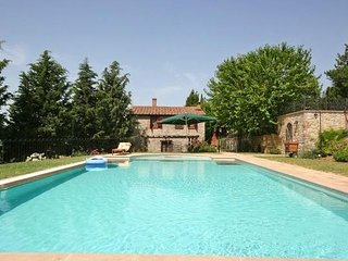 5 bedroom Villa in Fabro, Umbria, Italy : ref 2266101 - Carnaiola vacation rentals