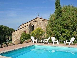 4 bedroom Villa in Volterra, Tuscany, Italy : ref 2266228 - Ulignano vacation rentals