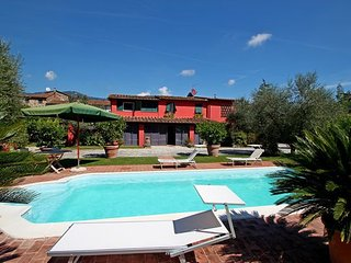 3 bedroom Villa in Capannori, Tuscany, Italy : ref 2269109 - Lammari vacation rentals