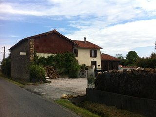 Chambres d'hotes / Bed & Breakfast  Les Glycines - Saint-Gaudens vacation rentals