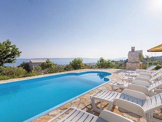 5 bedroom Villa in Trogir-Kastel Sucurac, Trogir, Croatia : ref 2277037 - Kastel Gomilica vacation rentals
