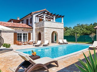 4 bedroom Villa in Vodnjan-Sv.Kirin, Vodnjan, Croatia : ref 2277544 - Jursici vacation rentals