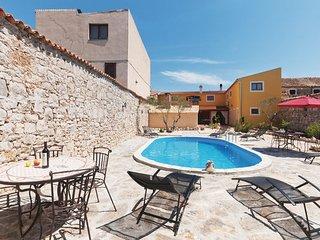 5 bedroom Villa in Biograd-Pakostane, Biograd, Croatia : ref 2277932 - Pakostane vacation rentals