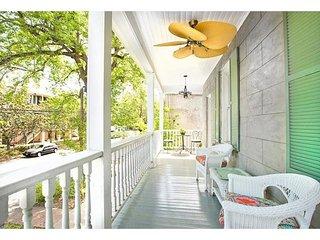 Bright 2 Bedroom Close to Forsyth Park - Savannah vacation rentals