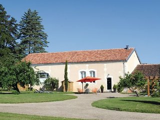 4 bedroom Villa in Burie, Charente Maritime, France : ref 2279670 - Burie vacation rentals