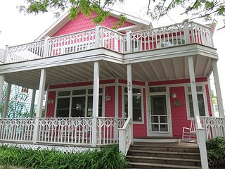 A place for large gatherings or for the multi family dream come true - Michigan City vacation rentals