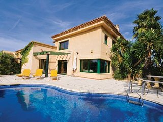 4 bedroom Villa in Sant Pere Pescador, Costa Brava, Spain : ref 2280598 - Sant Pere Pescador vacation rentals