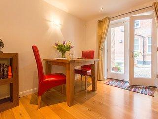 Stone's Throw - Charming ground floor apartment close to beach - Aldeburgh vacation rentals