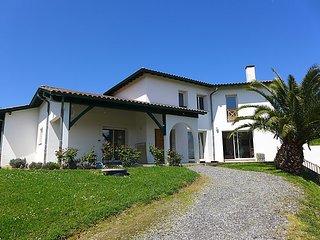 5 bedroom Villa in Saint Jean de Luz, Basque Country, France : ref 2284089 - Urrugne vacation rentals