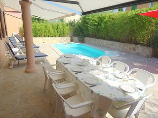2 bedroom Villa in Cogolin, Cote d Azur, France : ref 2284566 - Cogolin vacation rentals