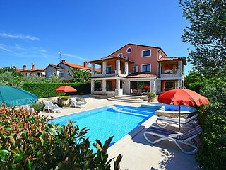 4 bedroom Villa in Buje Plovanija, Istria, Croatia : ref 2284961 - Kastel vacation rentals