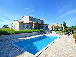 4 bedroom Villa in Buje, Istria, Croatia : ref 2286586 - Verteneglio vacation rentals