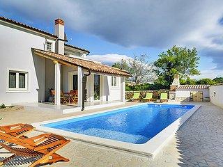 3 bedroom Villa in Pula Duga uvala, Istria, Croatia : ref 2286647 - Peruski vacation rentals