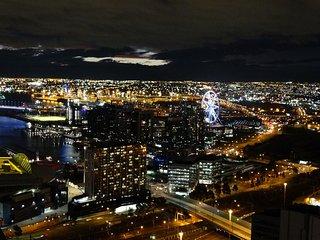 Cloud9 - Melb CBD Lux 3BR/2BA Apt Free Park + WiFi - Melbourne vacation rentals