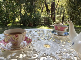 Meredie Rose Cottage - Peace in Perth Hills - Kalamunda vacation rentals