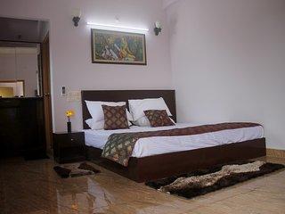 DS Residency Varanasi,Bed and Breakfast inVaranasi - Varanasi vacation rentals