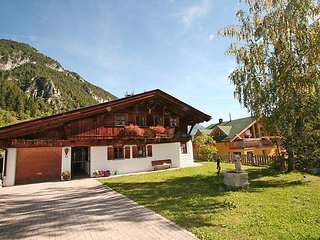 Sunny 3 bedroom Chalet in Pettneu am Arlberg - Pettneu am Arlberg vacation rentals