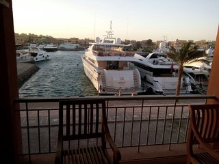 Comfortable 2 bedroom in El Gouna. Marina Area . - El Gouna vacation rentals