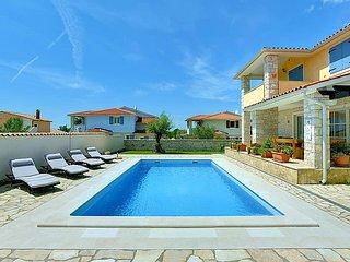 4 bedroom Villa in Pula Vodnjan, Istria, Croatia : ref 2298699 - Barbariga vacation rentals