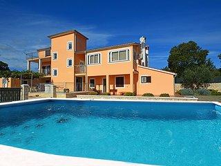 5 bedroom Villa in Rovinj Bale, Istria, Croatia : ref 2298953 - Golas vacation rentals