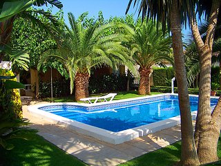 8 bedroom Villa in Miami Platja, Costa Daurada, Spain : ref 2299008 - Miami Platja vacation rentals