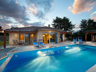 3 bedroom Villa in Groznjan, Istria, Croatia : ref 2299223 - Groznjan vacation rentals