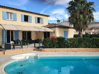 4 bedroom Villa in Saint Cyr Les Lecques, Cote d Azur, France : ref 2299350 - Saint Cyr sur mer vacation rentals